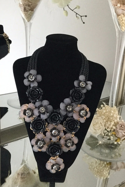 Grace Black Floral Necklace - LadyVB   s.r.o