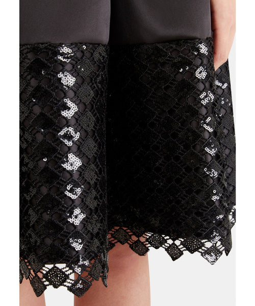 Natalie Black Belted V-Back Pleated Contrast Lace Hem Dress - LadyVB   s.r.o - 4