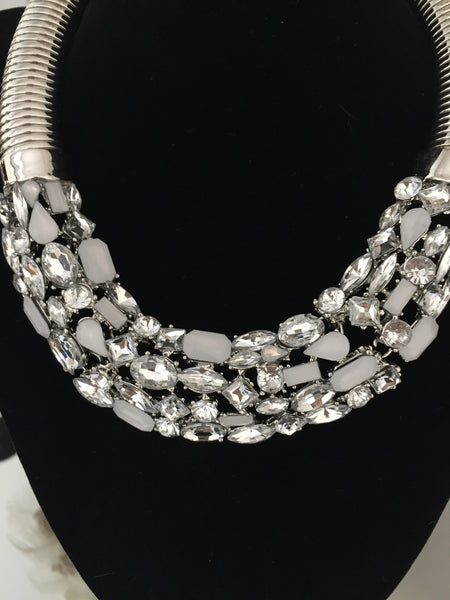 Catriona White and Silver Jewel Torc Necklace - LadyVB   s.r.o - 2