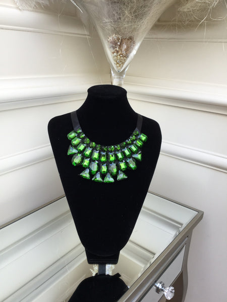 Green stone Necklace with satin tie - LadyVB   s.r.o - 1