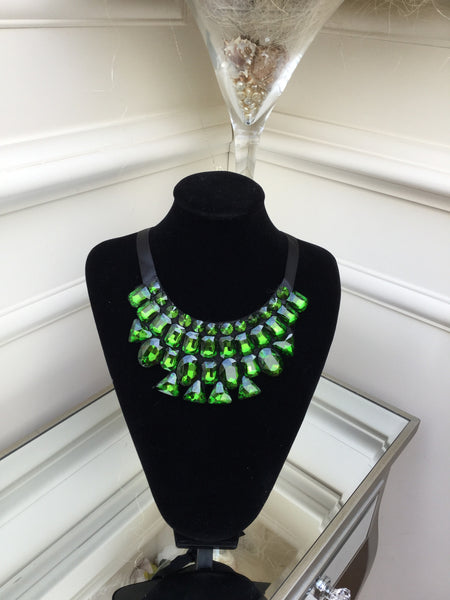 Green stone Necklace with satin tie - LadyVB   s.r.o - 3