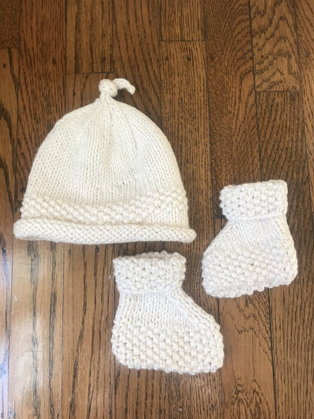 Sew Great Detroit Baby Hat + Bootie Set - Ivory