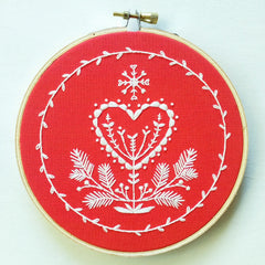 Cozyblue Handmade Embroidery Kit - Holiday Heart - DEKHH