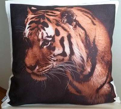Tiger pillow cover very soft material washable FILLING NOT INCLUDED - Art & Text