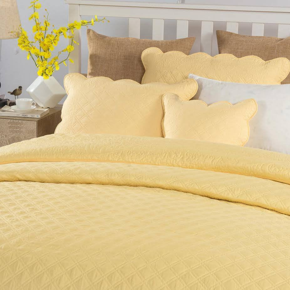 Tache Yellow Matelasse Buttercup Puffs Quilted Bedspread