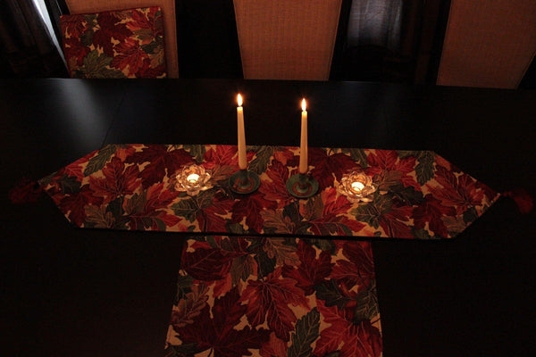 Tache 8 Piece Leave Fall Foliage Tapestry Table Linen Set