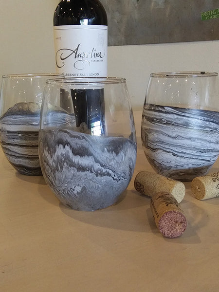 Pour Painting: Wine Glasses