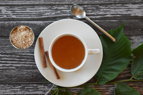 Slippery Elm Tea with Cinnamon Sticks and Slippery Elm Leaves