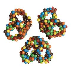 Milk Chocolate Gourmet Pretzel with M&M's - ZaZoLi
