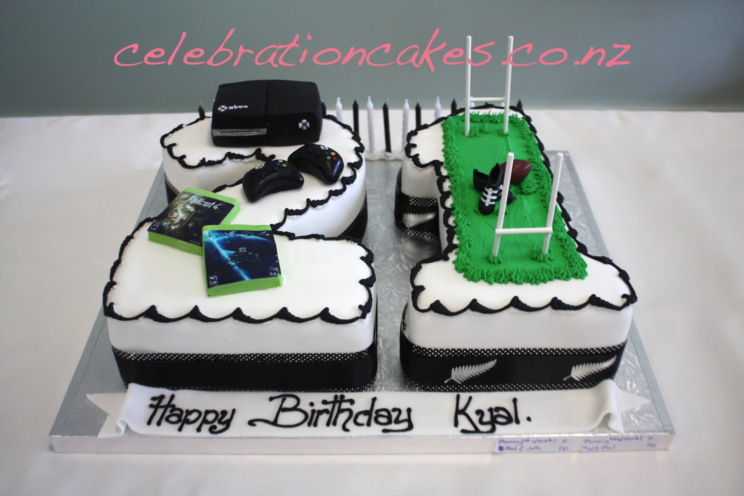 21 Figure Birthday Cakes: 21st Birthday Cakes, Celebration Cakes, Auckland