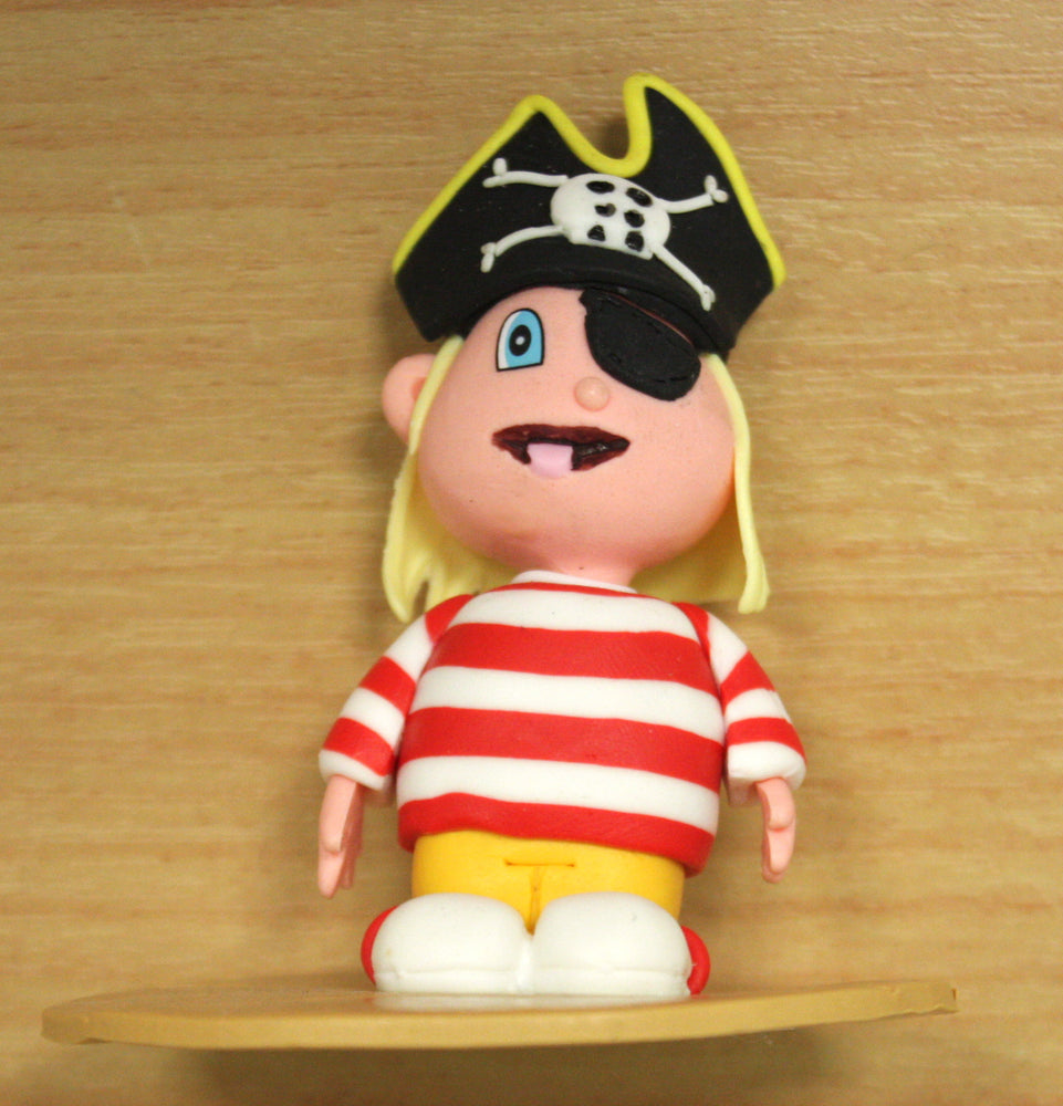 Claydough Pirate , Figurine