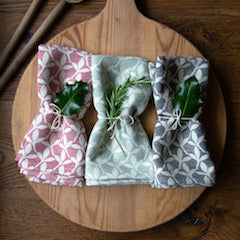 Our cotton fabrics bought to life in your place settings.