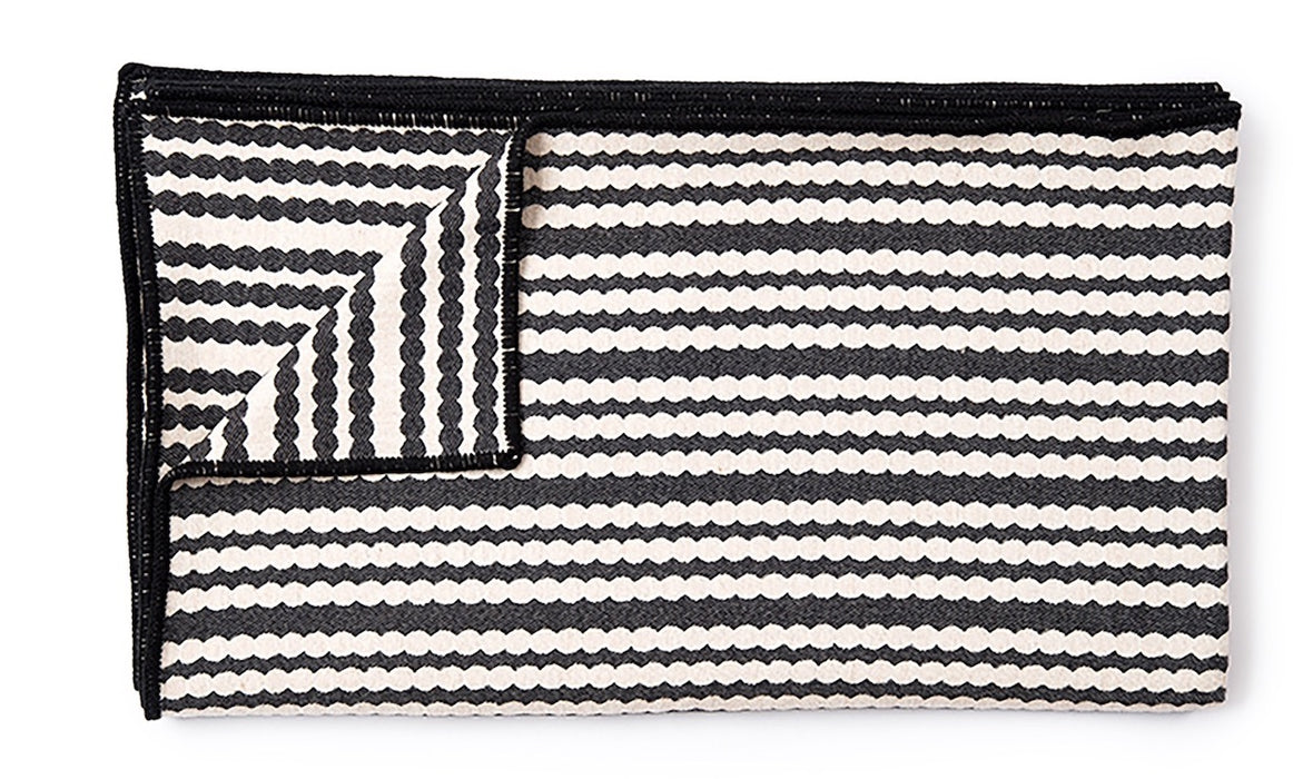 Scallop Stripe Throw Black