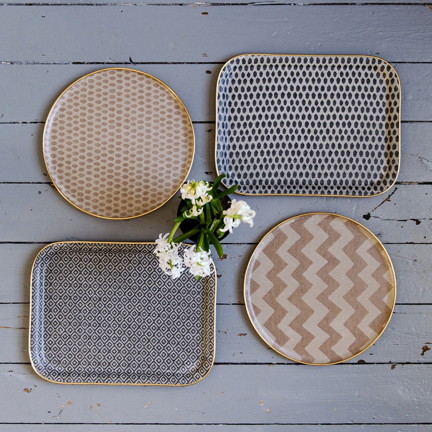 Round Serving Trays | Tori Murphy