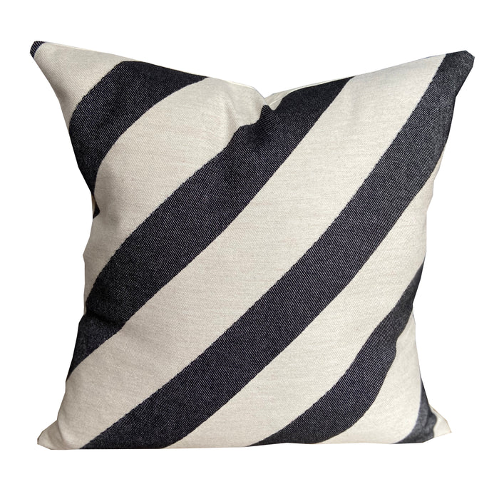 Totto Stripe Cushion Black