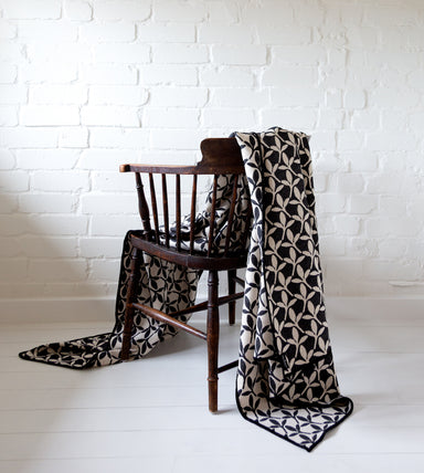 Little Cress Throw Black