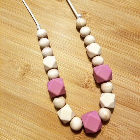 alexa organics wood maple silicone nursing teething necklace made with food grade chew beads