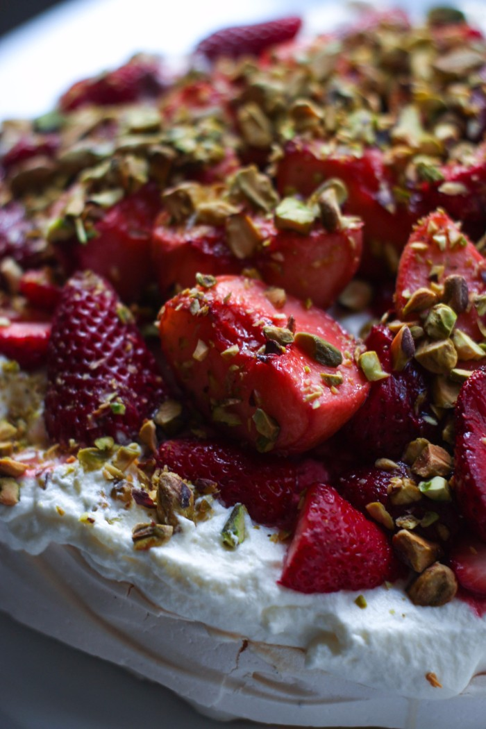 pavlova with strawberries and peaches recipe