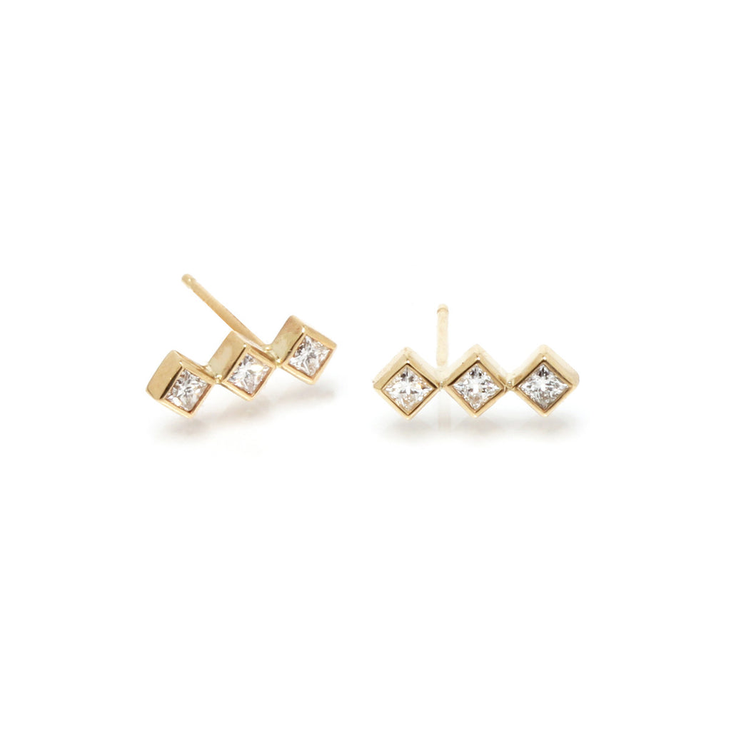 Zoë Chicco 14kt Yellow Gold 3 Princess Cut White Diamond Bar Stud Earrings