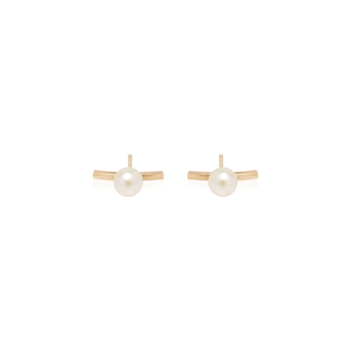Zoë Chicco 14kt Yellow Gold Curved Bar Staple Pearl Stud Earrings