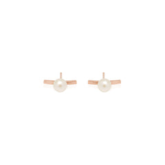 Zoë Chicco 14kt Rose Gold Curved Bar Staple Pearl Stud Earrings