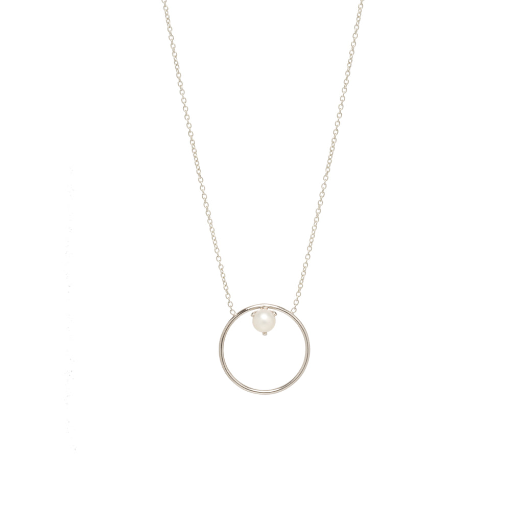 Zoë Chicco 14kt Yellow Gold Floating Pearl Medium Circle Necklace