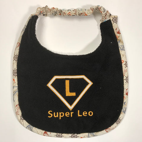 Super Leo, Drool Bib