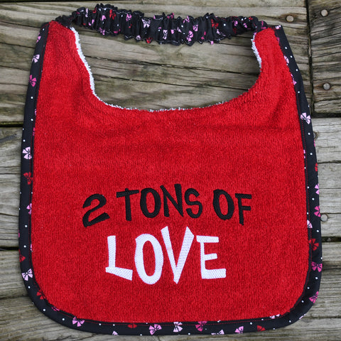 2 tons of love, Drool Bib