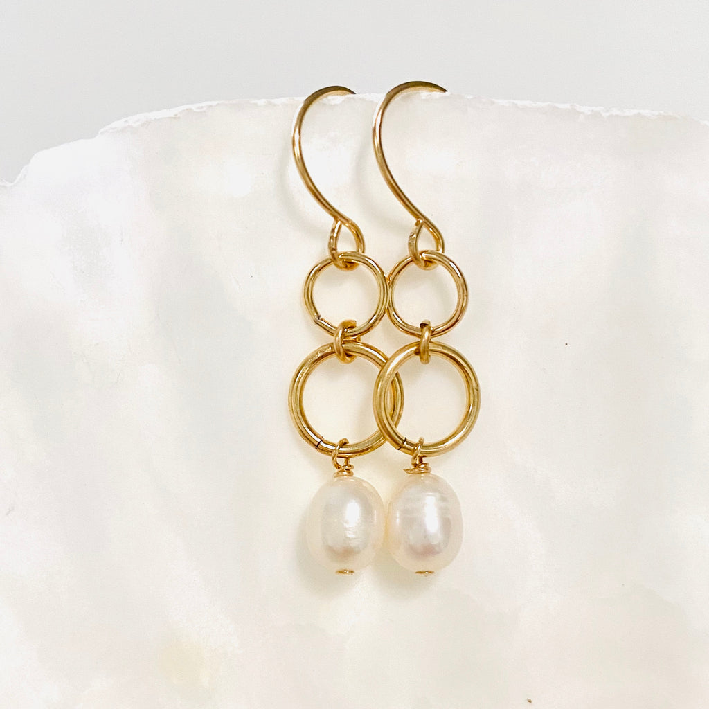 DOMINICA double link earrings with freshwater pearls