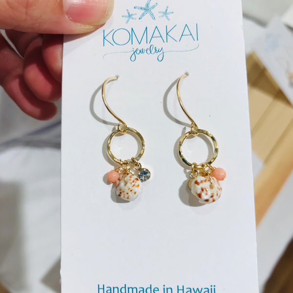 PUKA D-shell earrings