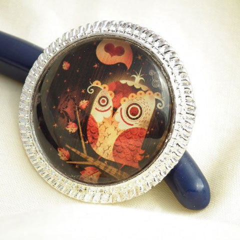Owl Needle Minder on Silver Pendant Tray with Magnet - Plum Beadacious  - 1