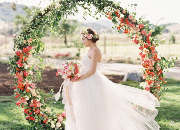 6 Gorgeous DIY Arches for the Floral Loving Bride