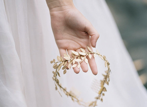 Dreamy ethereal headpieces for every summer wedding