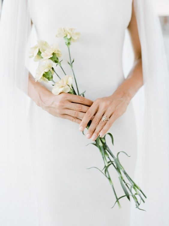 Minimal bouquet Vancouver wedding accessories