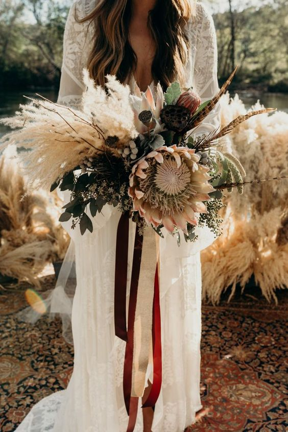 Sun palms and pampas grass bouquets