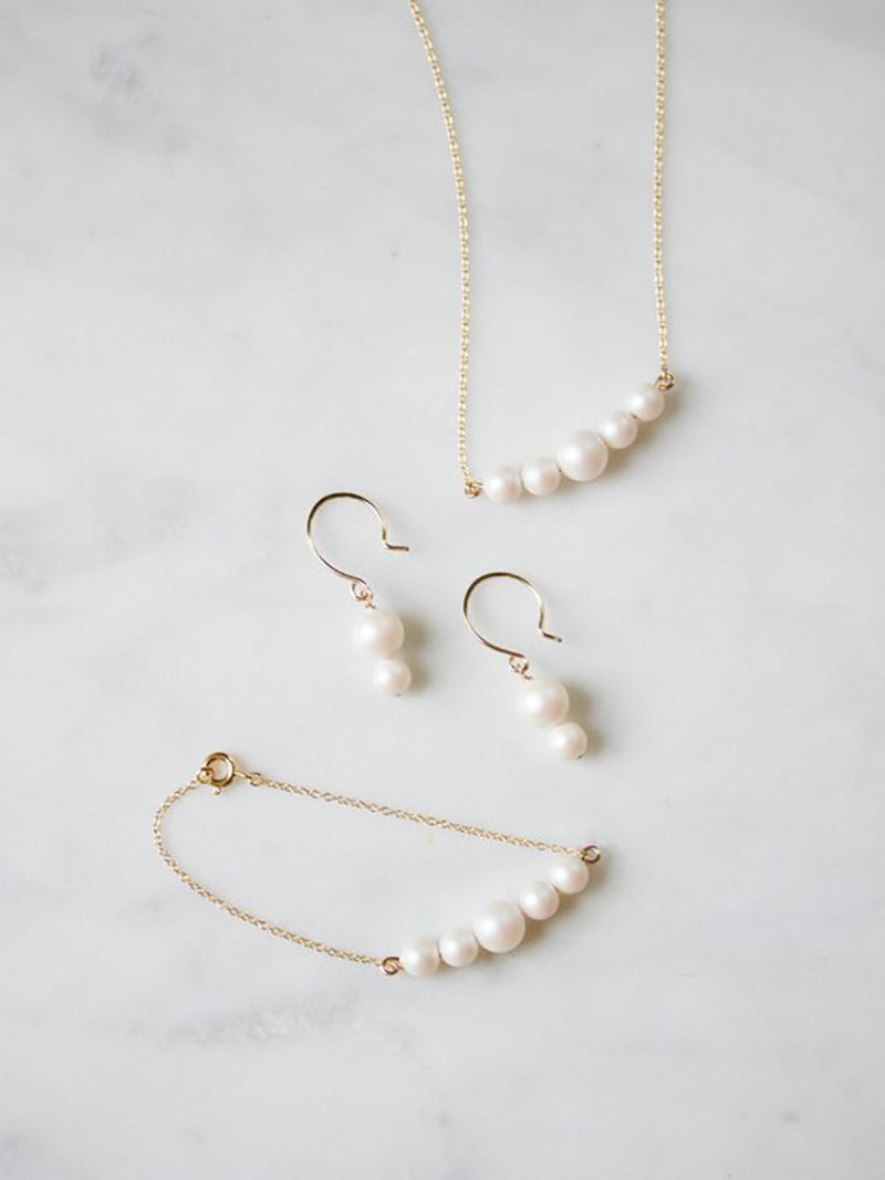 Iridescent Pearl Bracelet on 14k rose gold filled chain with matching earings, bridal accessories made by Davie and Chiyo
