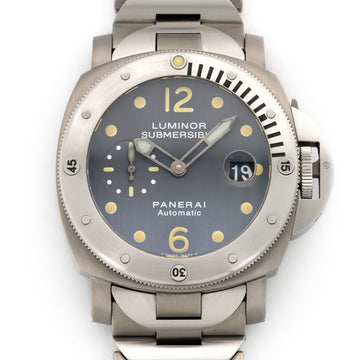 Panerai Luminor Submersible Early Tritium Dial Watch Ref. PAM106