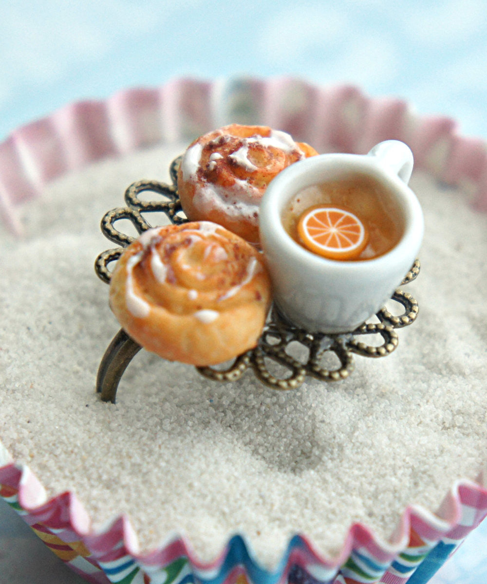 cinnamon rolls and tea ring - Jillicious charms and accessories - 1