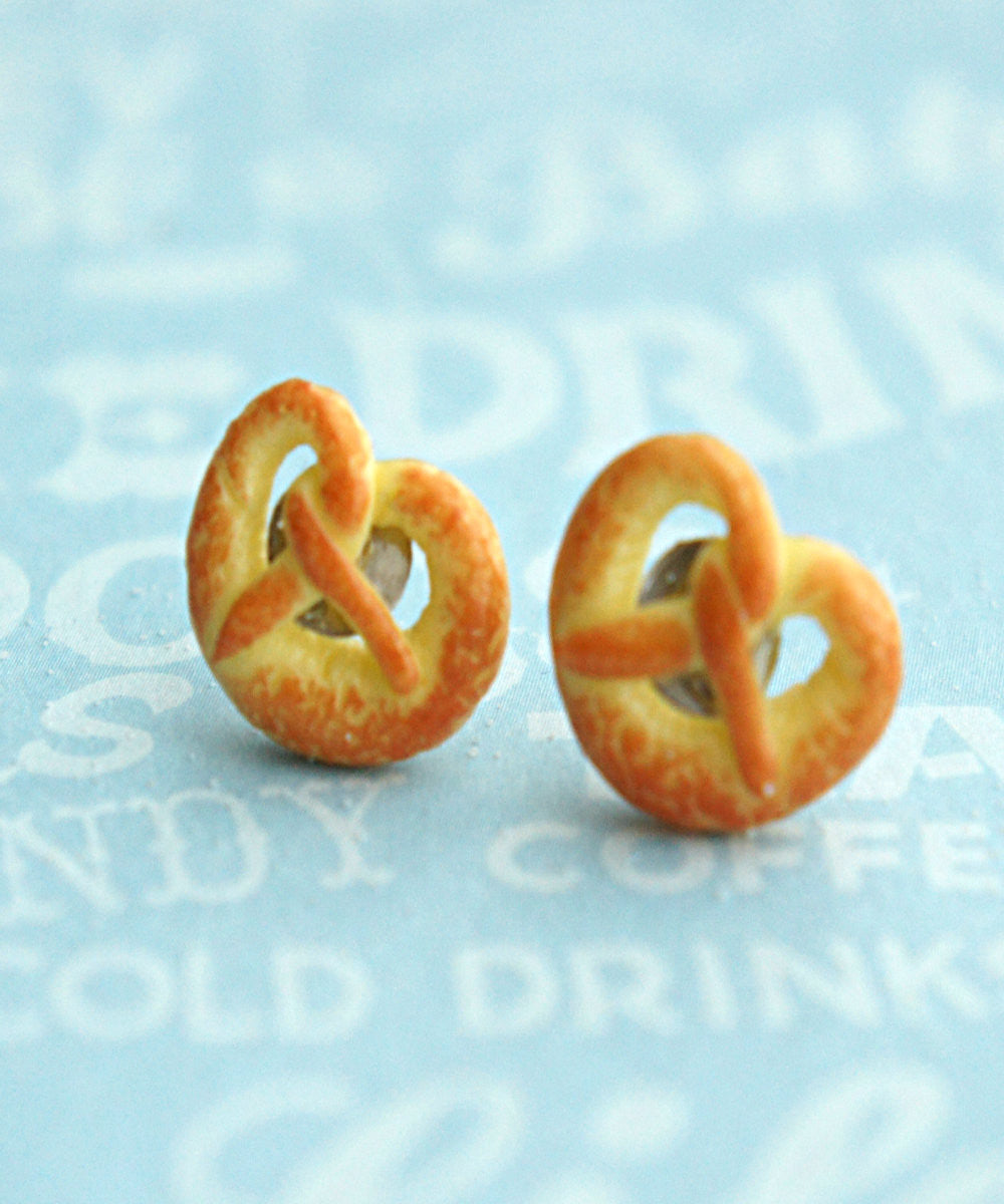 pretzel stud earrings - Jillicious charms and accessories - 3