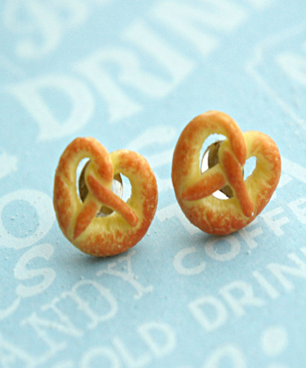 pretzel stud earrings - Jillicious charms and accessories - 2