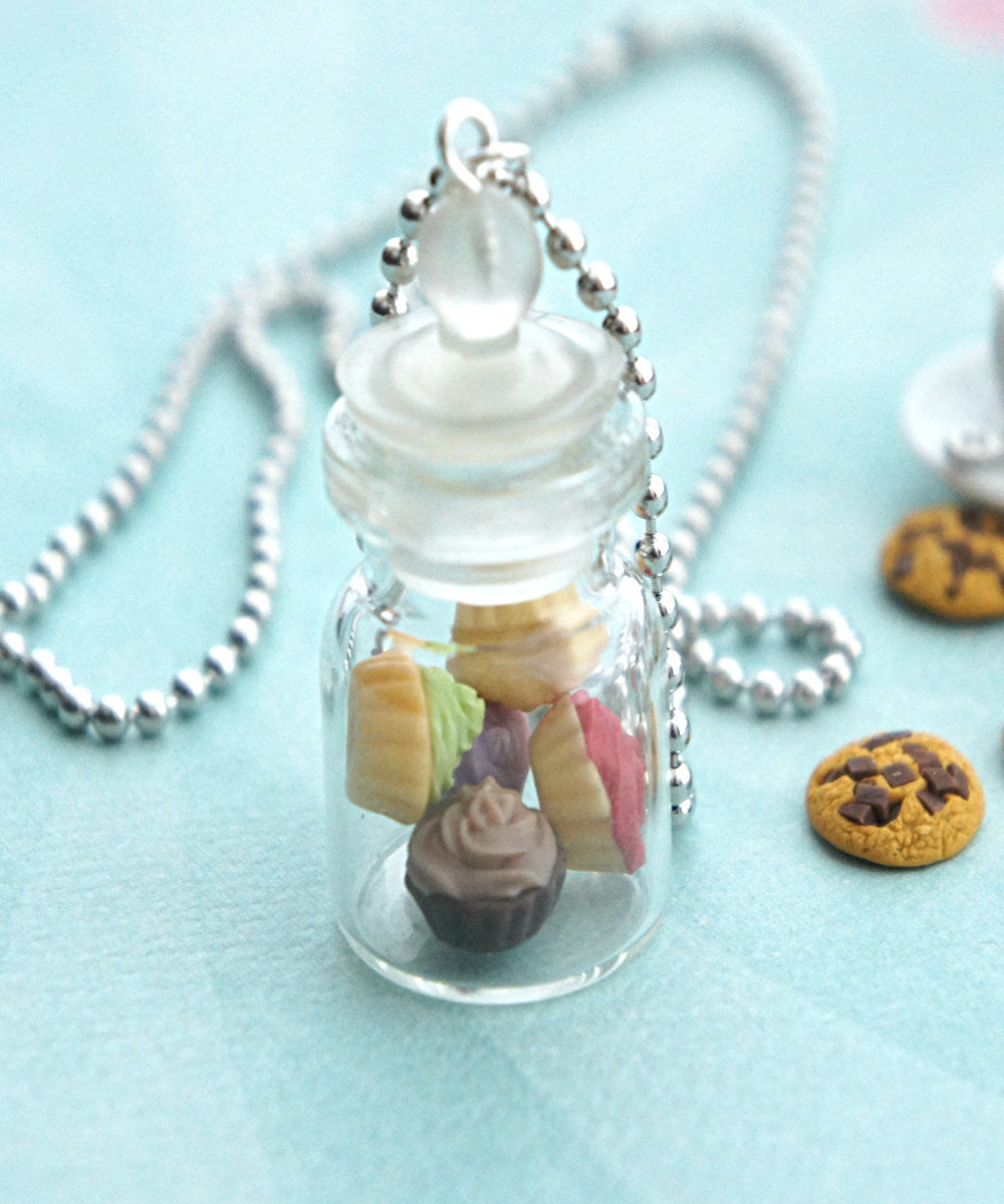cupcakes in a jar necklace - Jillicious charms and accessories