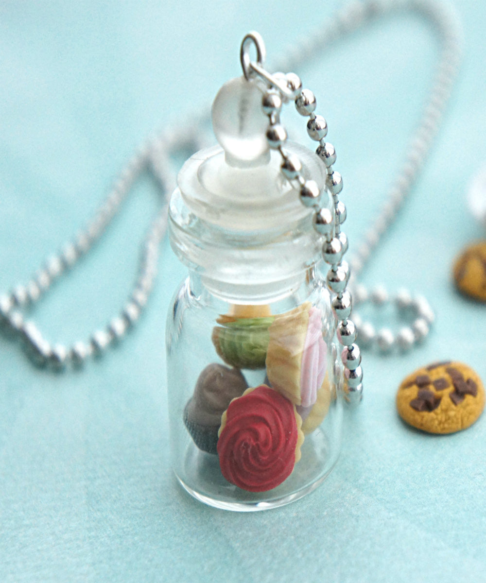 cupcakes in a jar necklace - Jillicious charms and accessories - 2