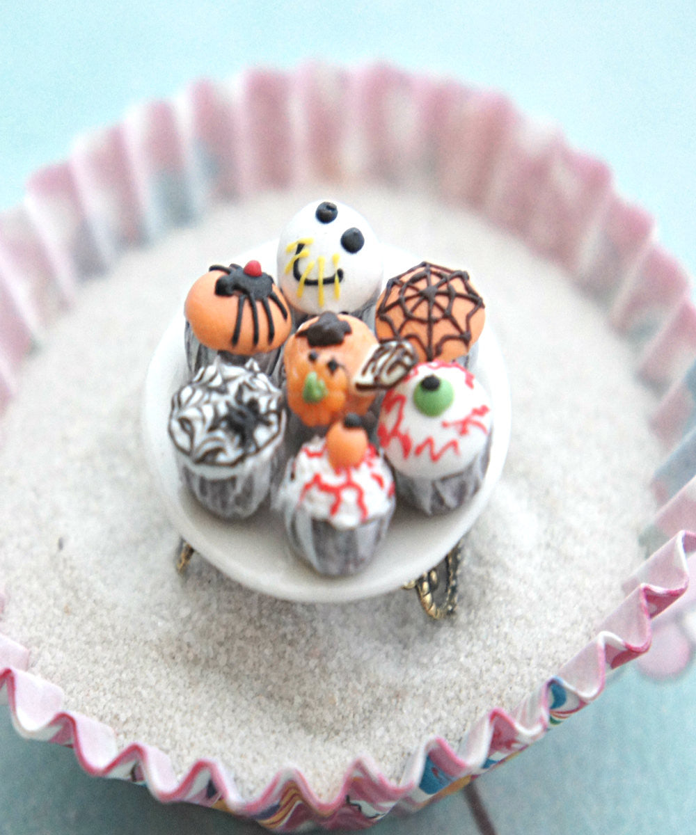halloween themed cupcake plate ring - Jillicious charms and accessories - 1
