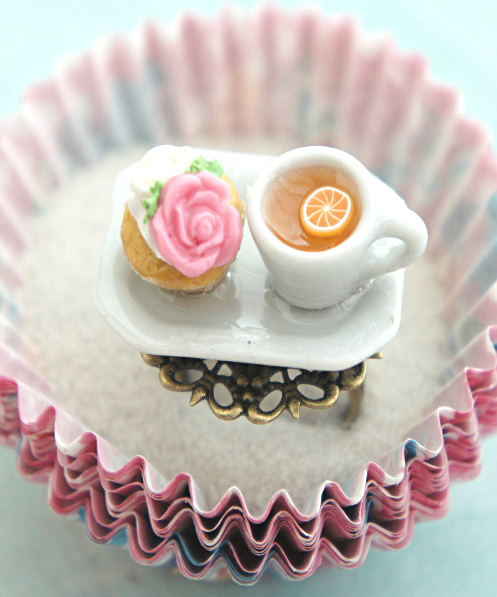 rose cupcake and tea ring - Jillicious charms and accessories - 1