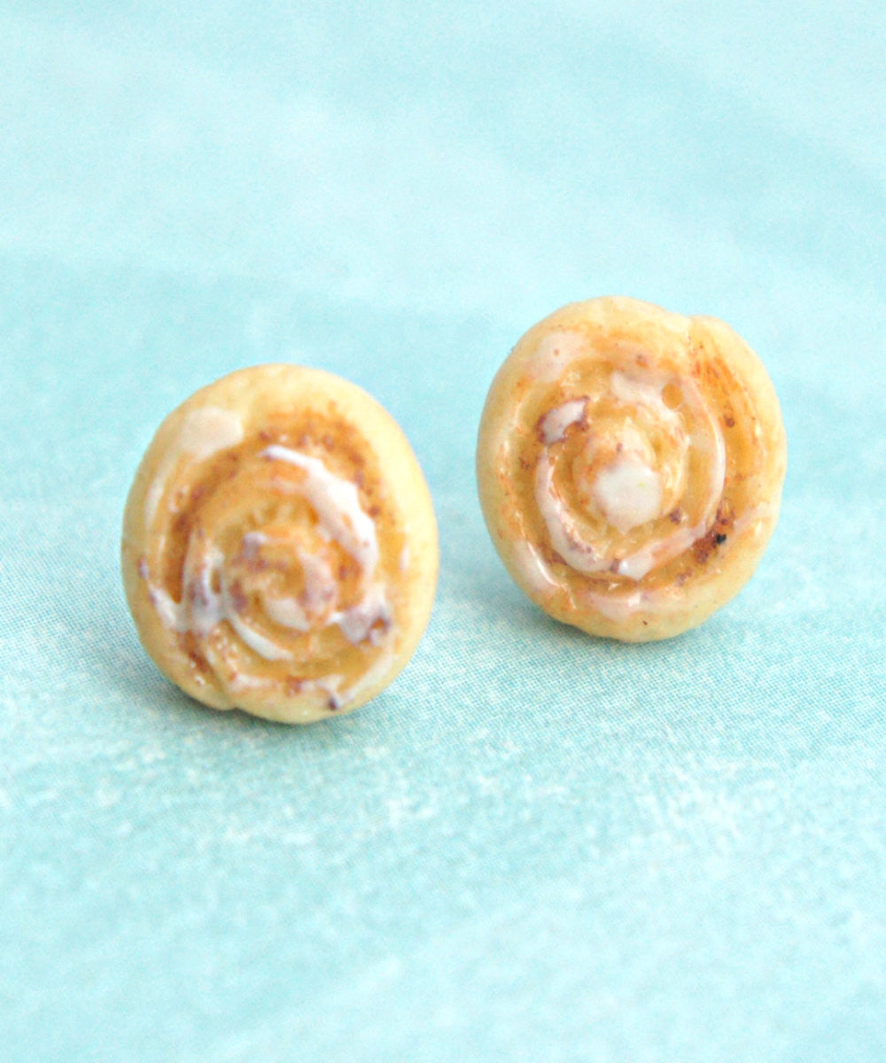 cinnamon rolls stud earrings - Jillicious charms and accessories - 3
