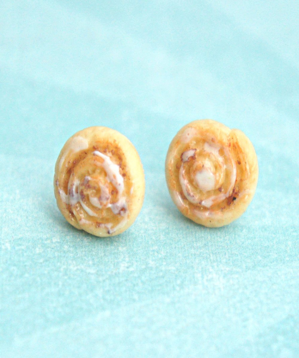 cinnamon rolls stud earrings - Jillicious charms and accessories