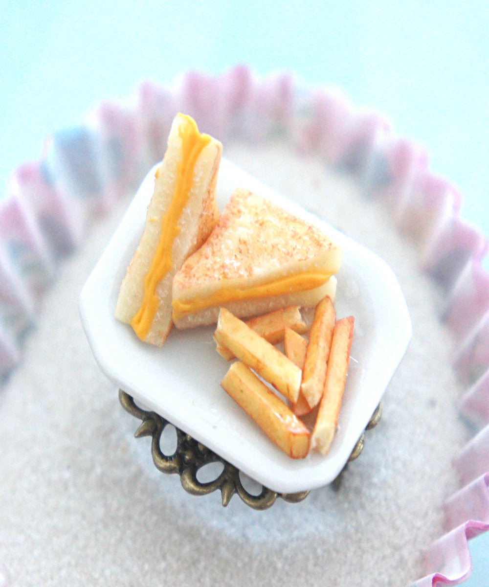 grilled cheese sandwich and fries ring - Jillicious charms and accessories - 2