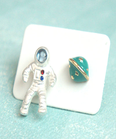 Astronaut Stud Earrings - Jillicious charms and accessories
