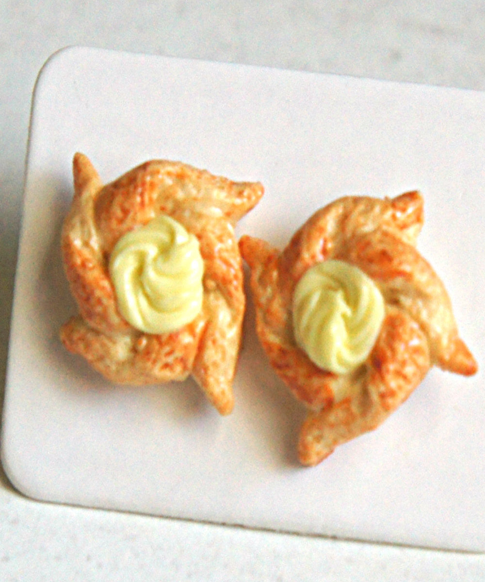 custard pinwheel pastry earrings - Jillicious charms and accessories
