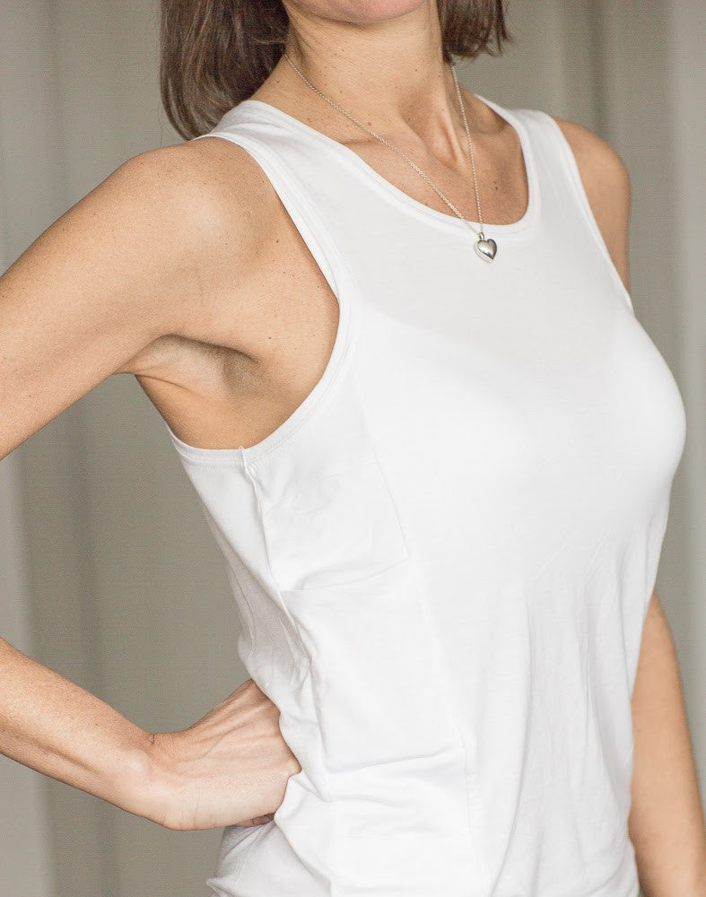InsulWear™ Tank Top Women - Clothing/Underwear for Insulin Pump Users - DESCRIBED IN THE 2018 CONSUMER GUIDE OF DIABETES FORECAST MAGAZINE (by ADA)